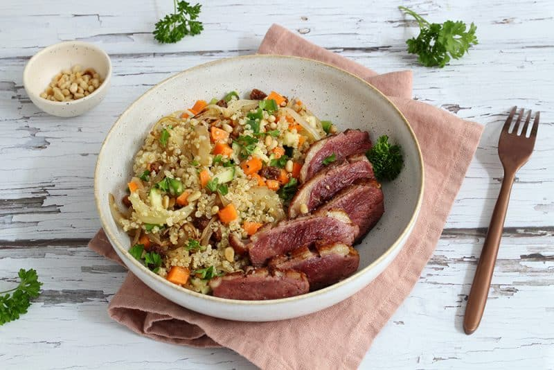 Salade de Quinoa aux Oignons épicés, Crudités et Magret de Canard à la Plancha - 750g