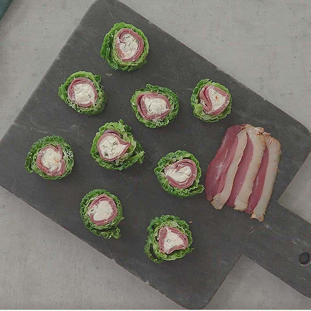 Recette Magret fumé et chèvre frais en maki de chou vert